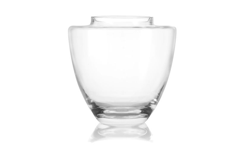 Designed to complement artificial or fresh flowers, our collection of exquisite Aster glass vases provides the perfect finishing touch for any arrangement. This contemporary design is perfect for displaying any bouquet. Choose from a variety of shapes and sizes, designed to suit your arrangements perfectly.