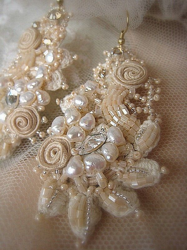 Vintage style bridal needle lace embroidered by IrenaGasha