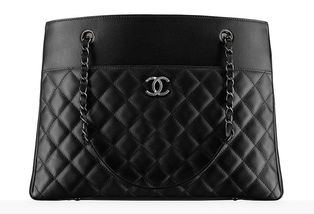 867d441752a4 Chanel Large Zipped Shopping Bag