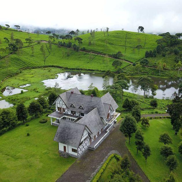 villa jerman Photo @unboxing_indonesia | Villa, Pengalengan, Rumah