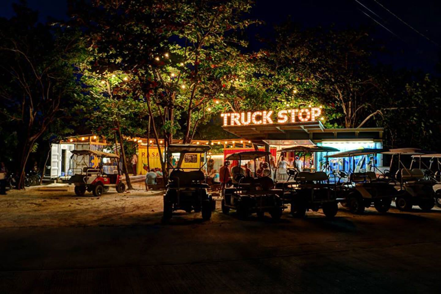 The Truck Stop Located On Ambergris Caye First Shipping Container Food Park In Belize Food Park Belize Belize Food [ 960 x 1440 Pixel ]