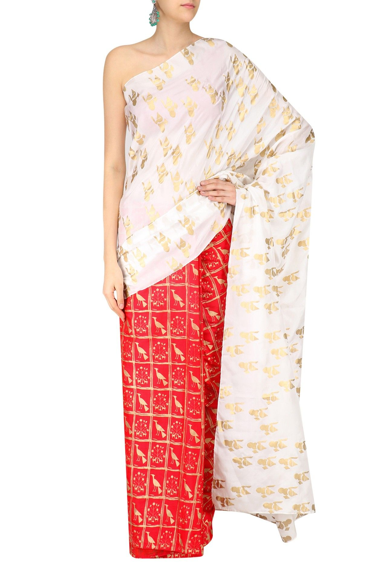 06d794b26ded6e White and red moor and shankh print saree with gold blouse piece available  only at Pernia s Pop Up Shop.