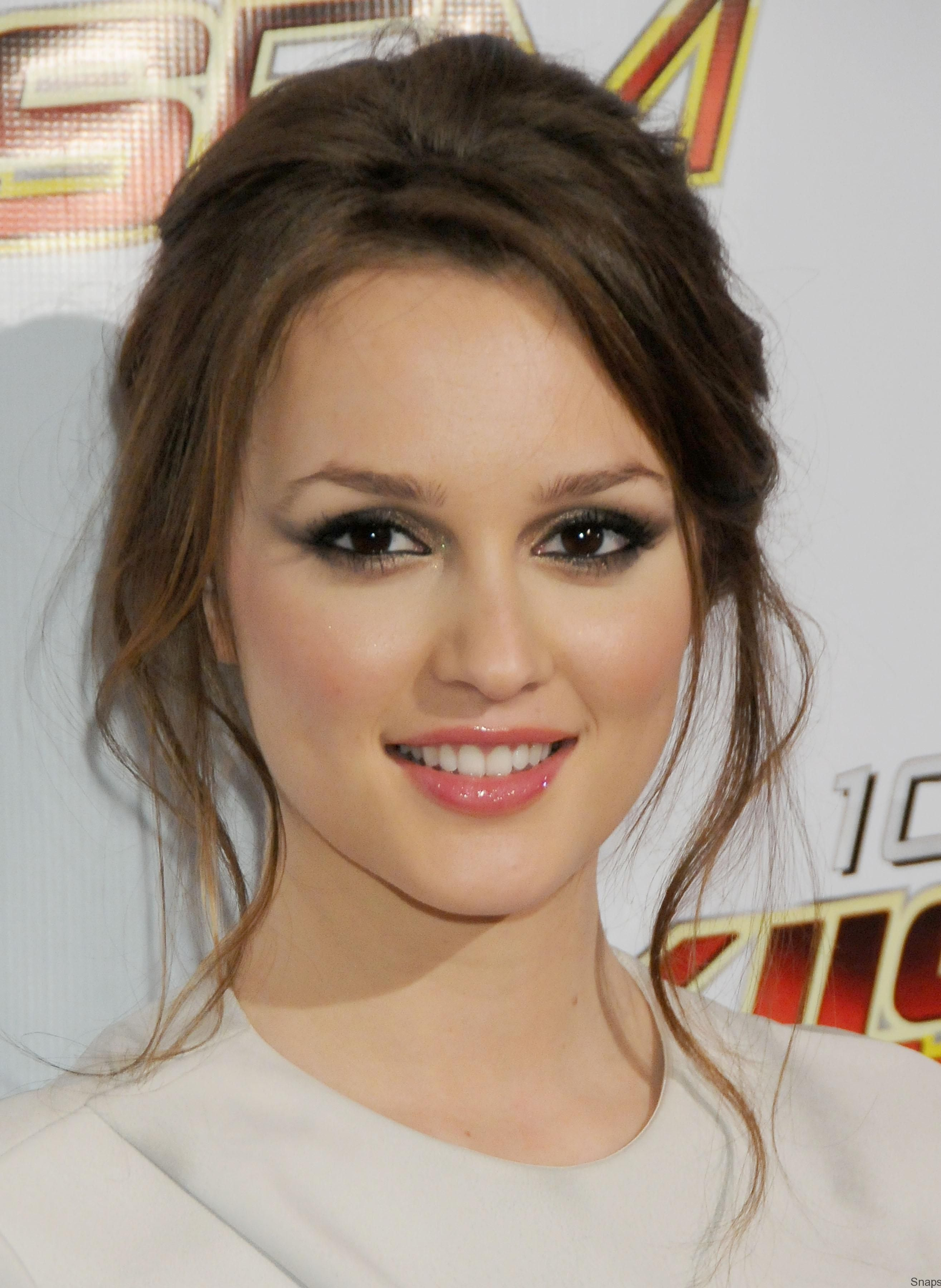 Viewing gallery for leighton meester 2009 wallpapers viewing gallery for leighton meester 2009 wallpapers baditri Gallery