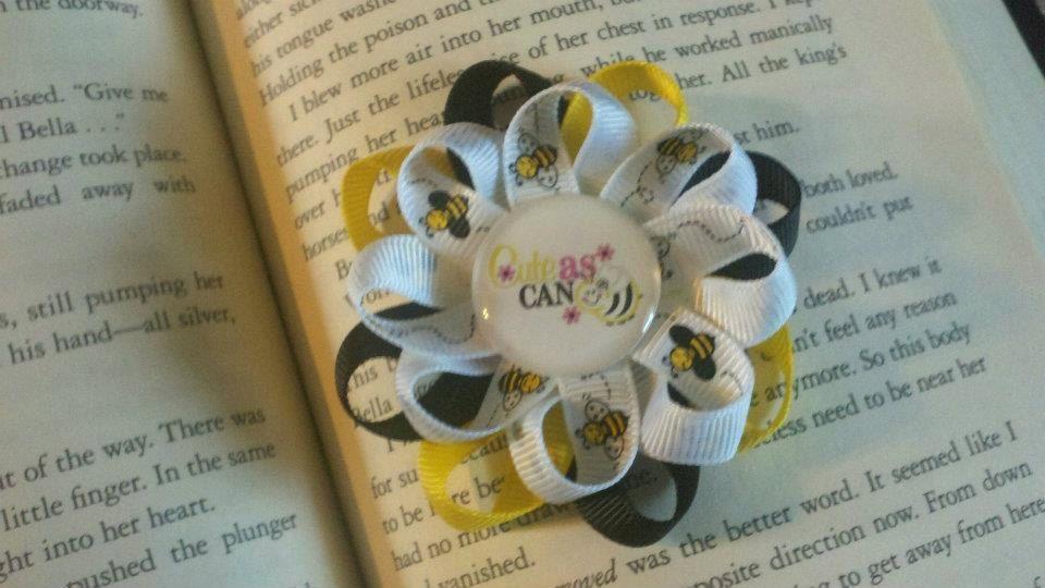 Cute As Can Bee Bow. $3.50, via Etsy.