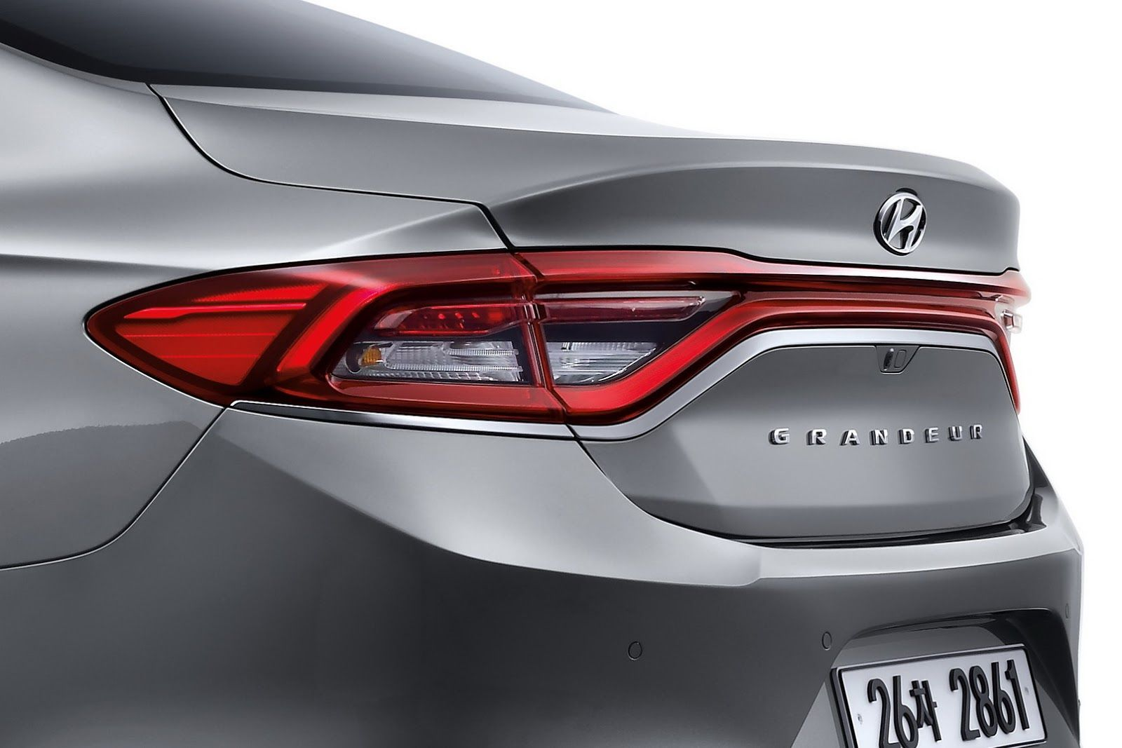 Sorry America Europe Australia You Won T Be Getting New 2017 Hyundai Azera At Least Not As Is Carscoops Hyundai Azera Hyundai Azera