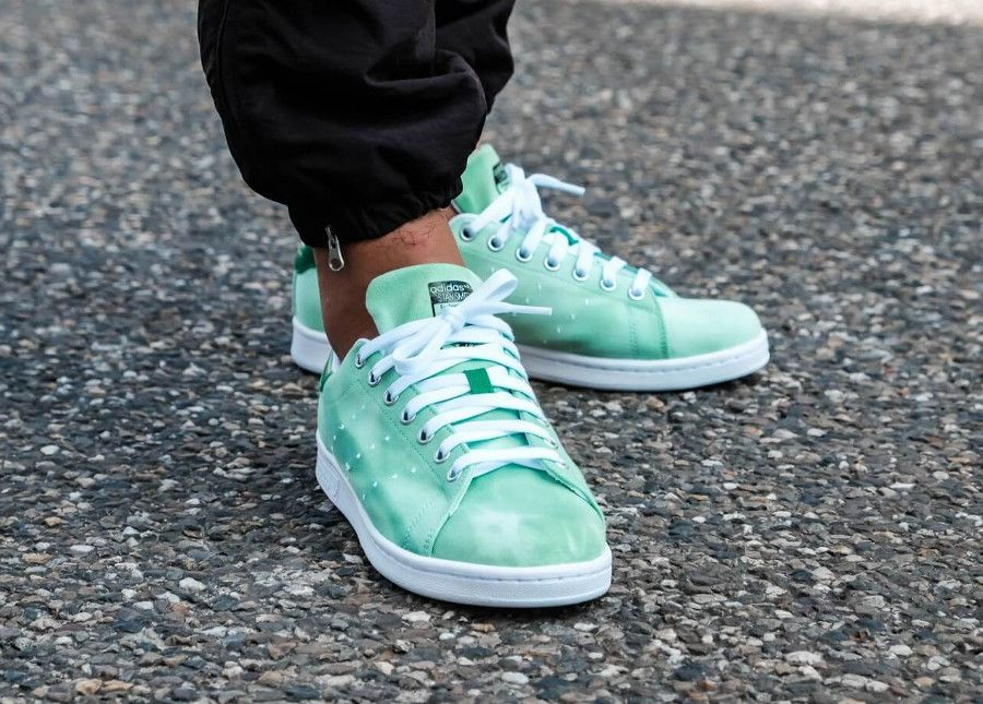 huge discount 46925 9ed85 Pharrell Williams x Adidas Stan Smith HU Holi Green (dégradé ...