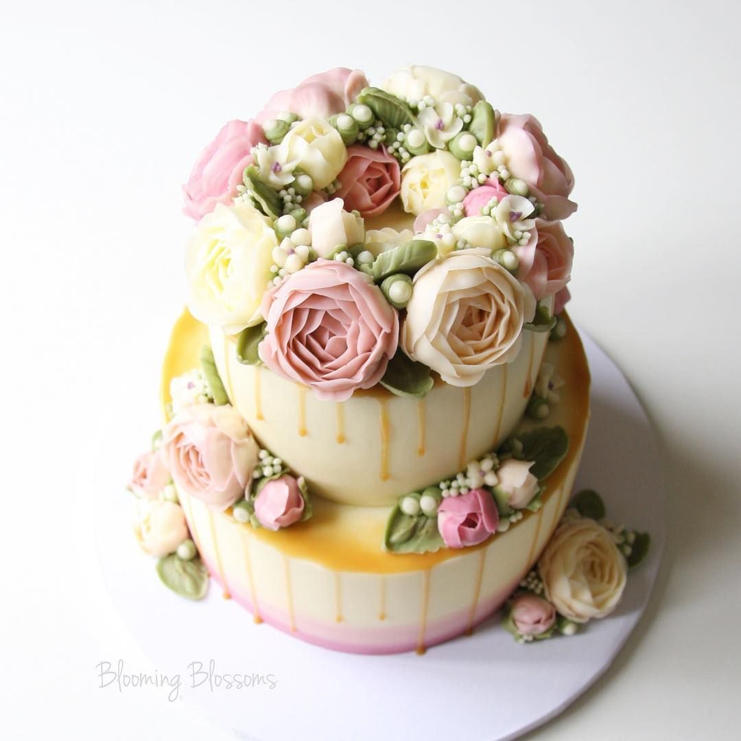 Blooming blossoms on instagram 30th birthday flower cake blooming blossoms on instagram 30th birthday flower cake bloomingblossoms flowercake izmirmasajfo Images