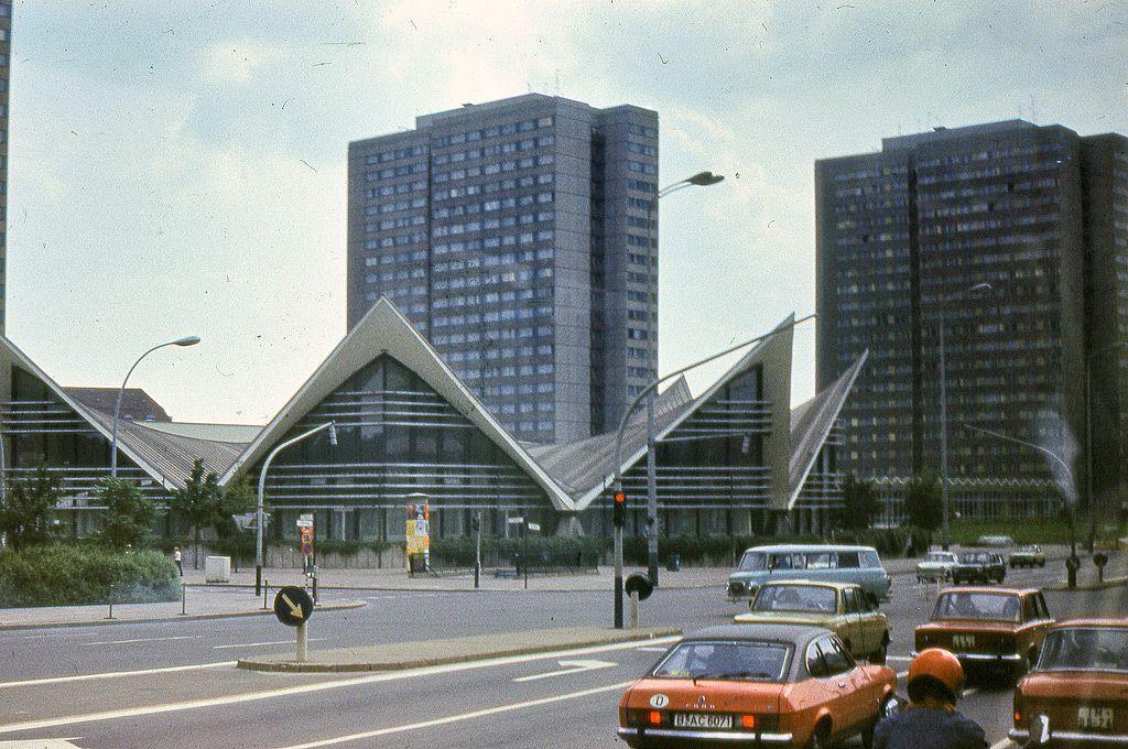 Ddr Berlin 1980 50 East Berlin West Berlin East Germany
