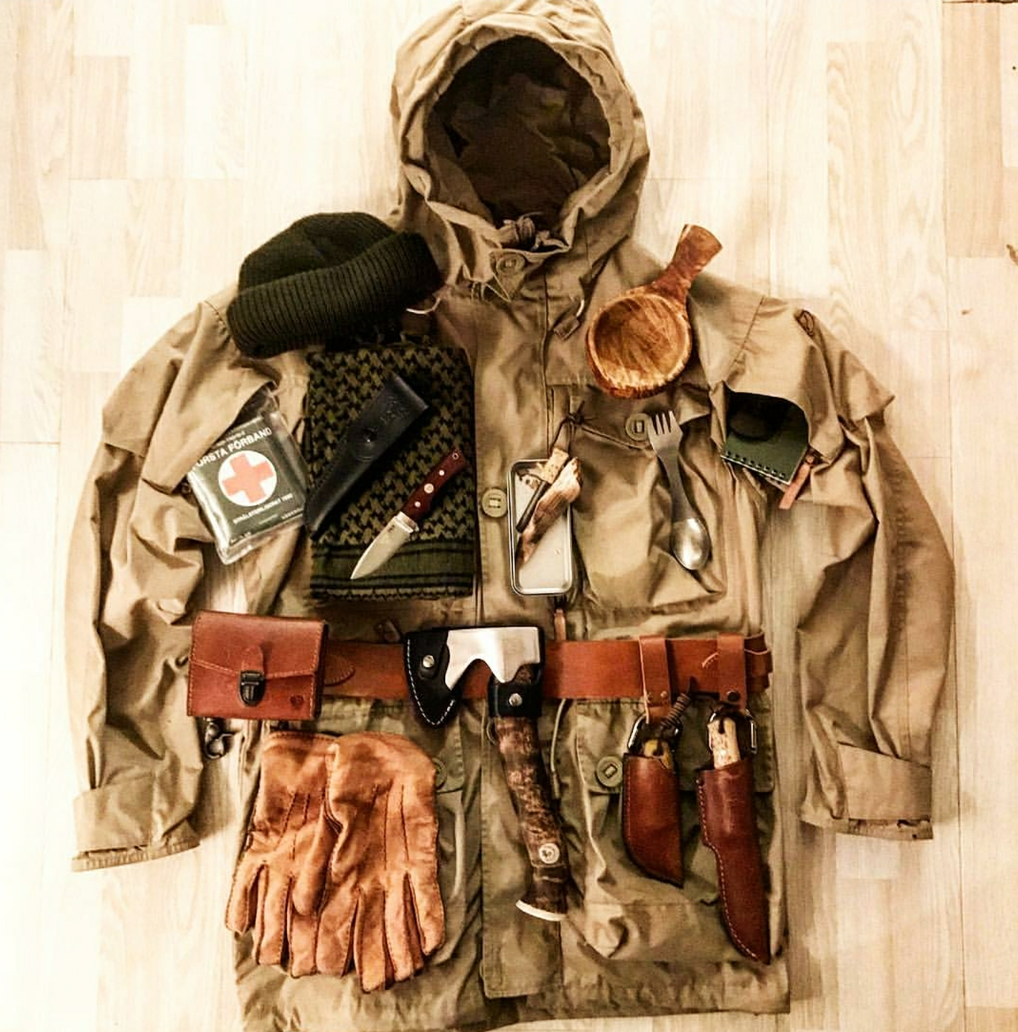 PREMIUM SURVIVAL KIT Outdoor Bushcraft Hiking Scouts Military Emergency UK-Made