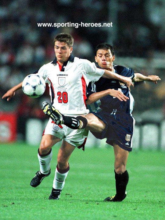 Michael Owen vs Nelson Vivas