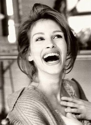 Julia Roberts- what an infectious smile! so cute!