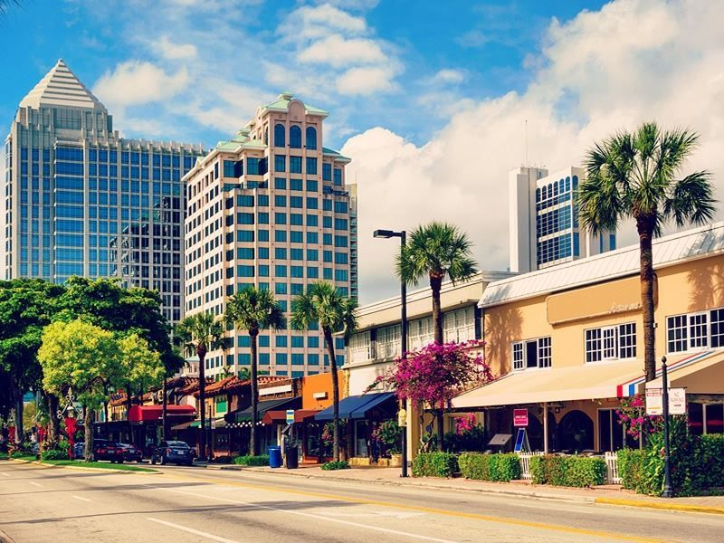 From beautiful parks and delicious al fresco restaurants to the bustling Intracoastal Wate ...