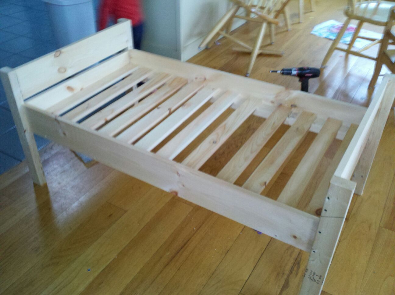 Doggie Daybed Do It Yourself Home Projects From Ana 400 x 300