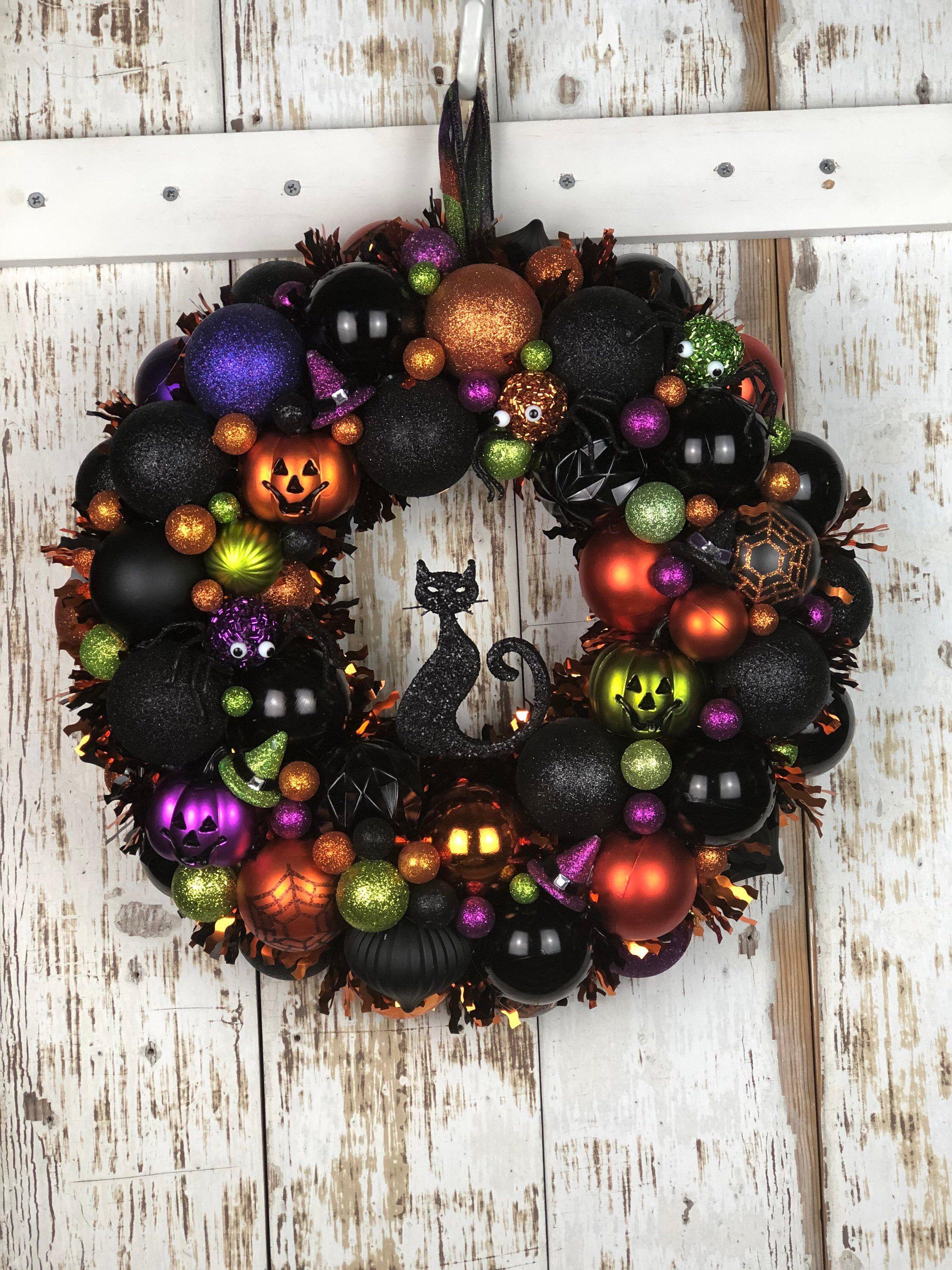 Black Cat Ornament Wreath For Halloween Halloween Decor For Etsy In 2020 Diy Halloween Wreath Halloween Ornament Wreath Halloween Wreath