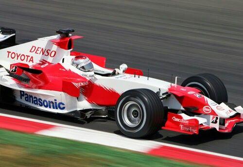 Jarno Trulli                                        TOYOTA  TF106                                  RVX-06  (NA 2.4L-V8)