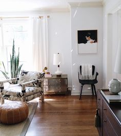 Modern Organic Living Room With Mid Century Modern Flair. Love The Vintage  Old And New