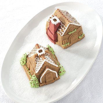 Nordic Ware Gingerbread House Duet Pan: Amazon.co.uk: Kitchen & Home