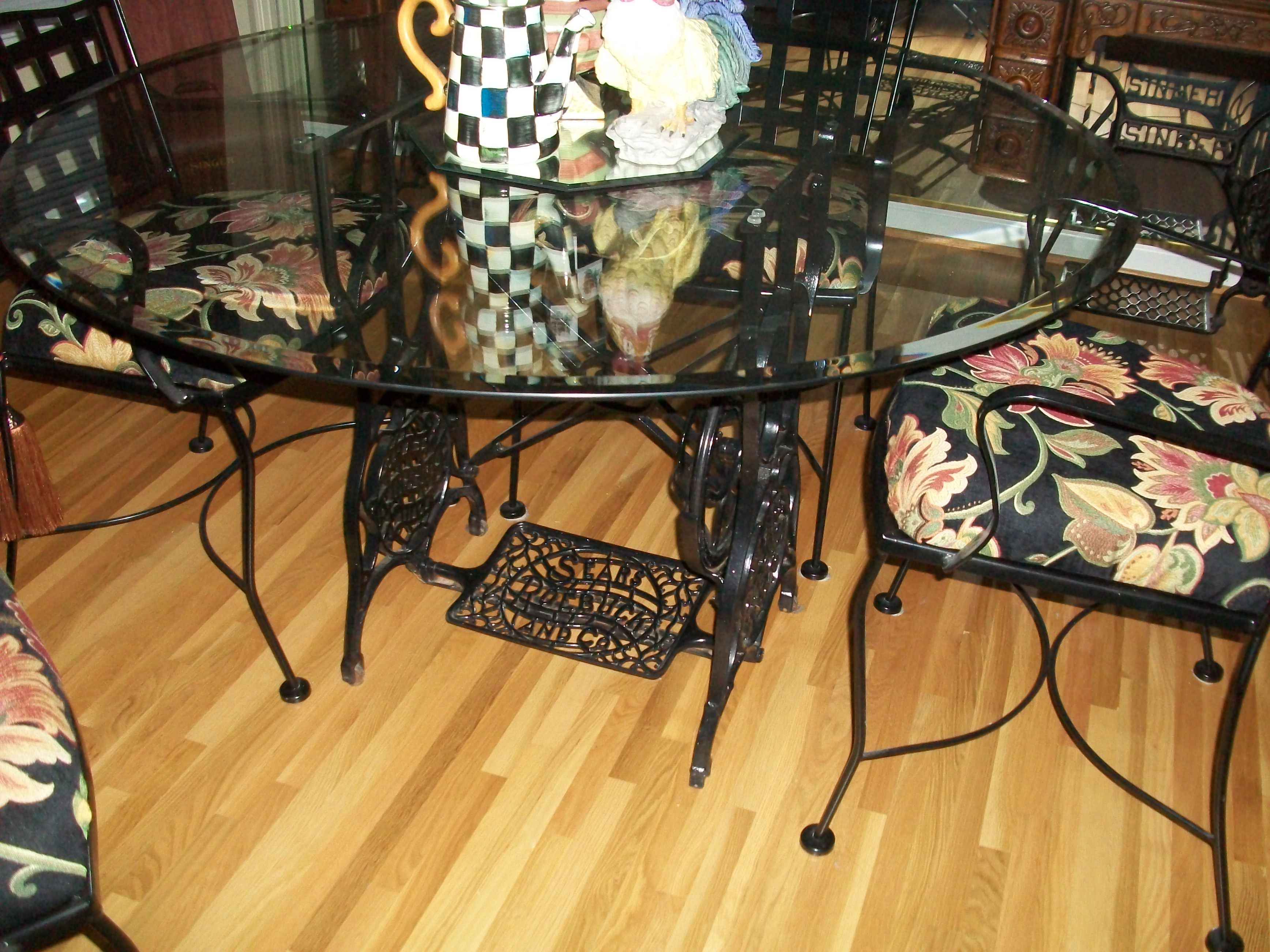 Sewing Machine Base With Glass Table Top Pe De Maquina Jantar