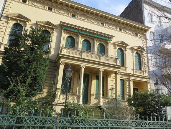 Rare Berlin survivor: a 19th century townhouse villa on Schlossstrasse, Charlottenburg