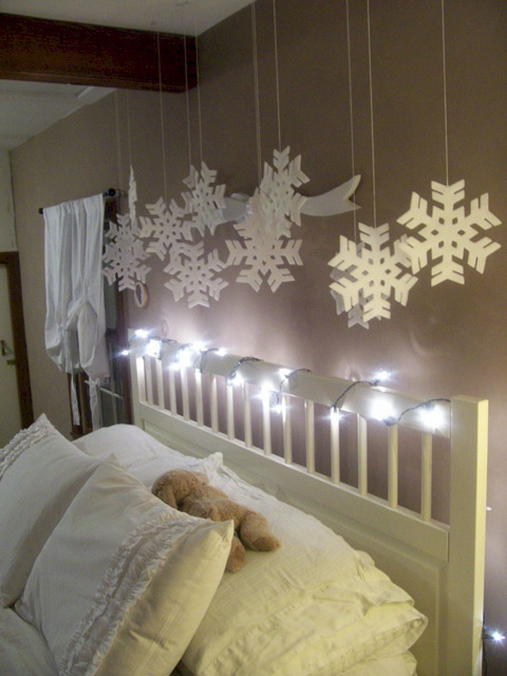 Unique Christmas Light Decorating Ideas Bedroom