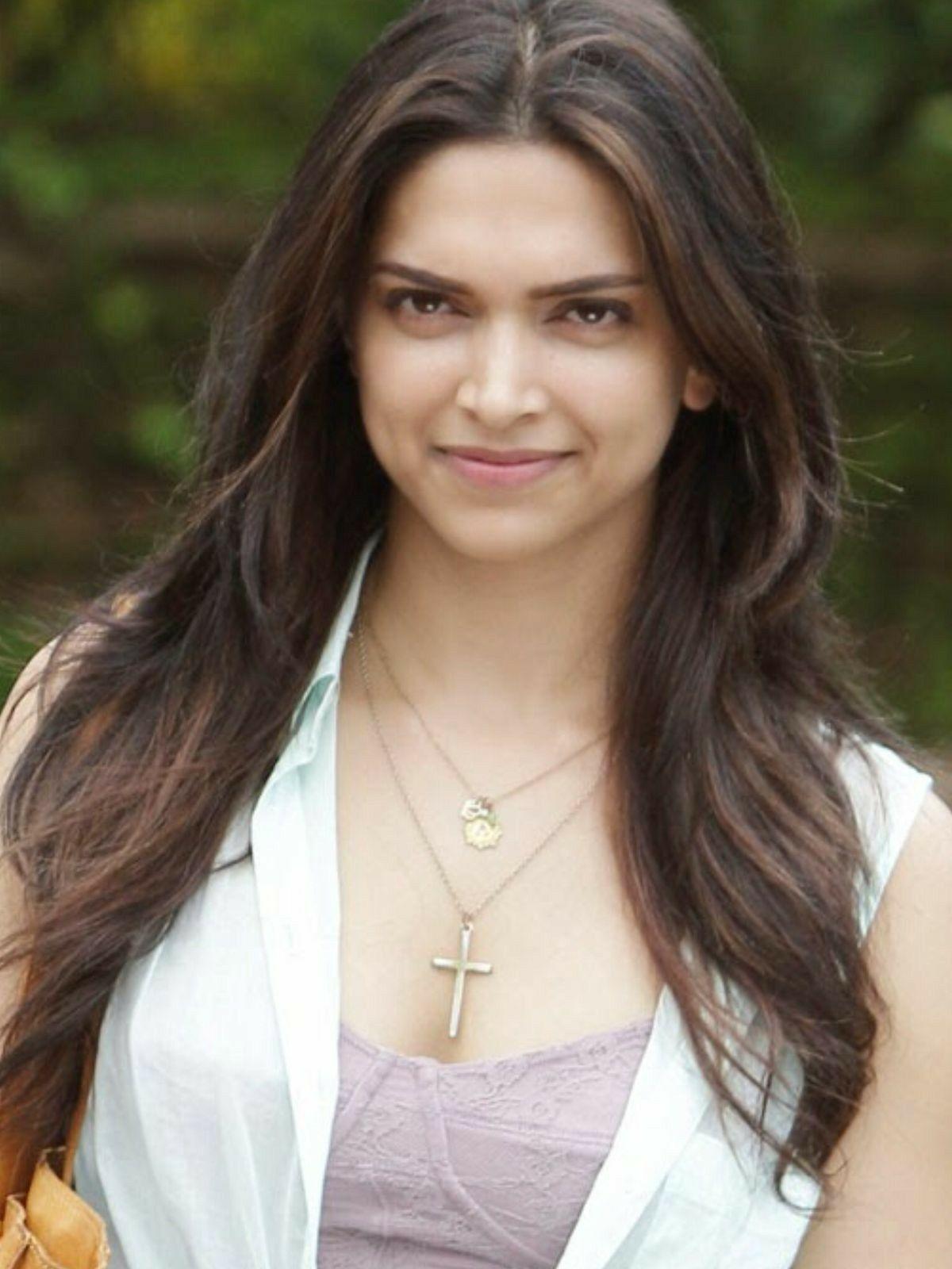Is a cute Deepika Padukone nude photos 2019