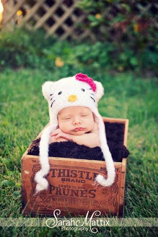 Newborn Girl Baby Hello Kitty Facebook Com Sarahmattixphotographer Cute Baby Pictures Hello Kitty Baby Newborn Knit Hat