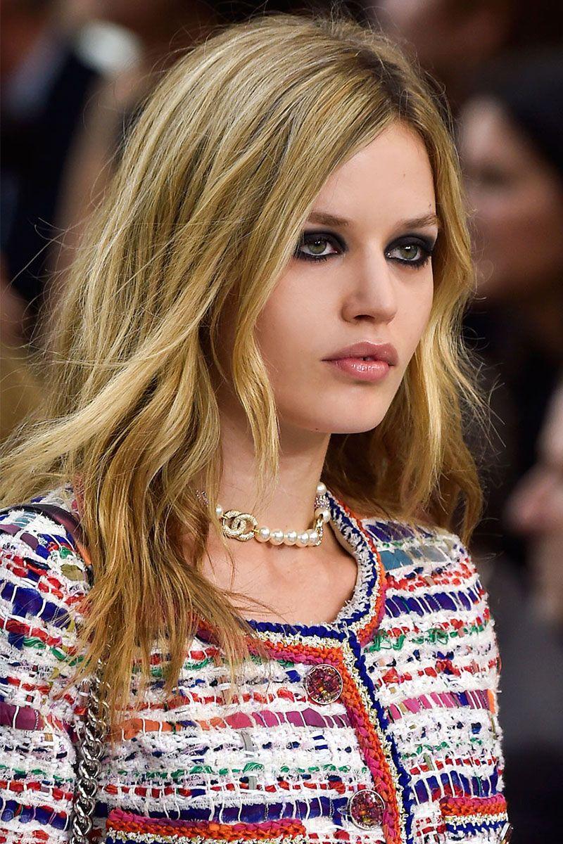 Watch Best Spring 2015 Runway Beauty Trends To Copy video
