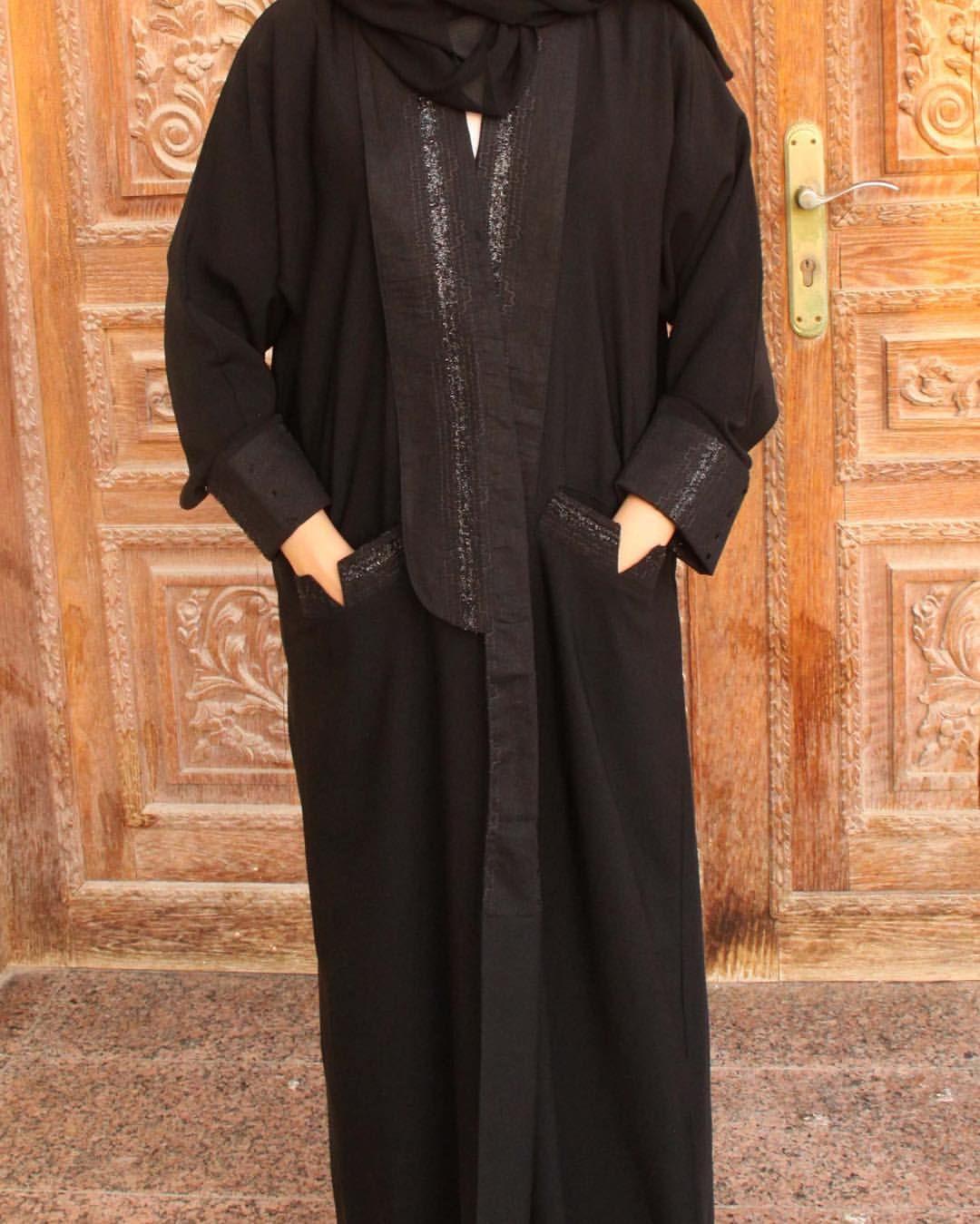 45 Likes 13 Comments عبايات شيدر Shaidrr Abaya Shaidrr On Instagram من الكولكشن الجديد عبايه من قماش الكري Abaya Fashion Style Maxi Dress Modern Abaya