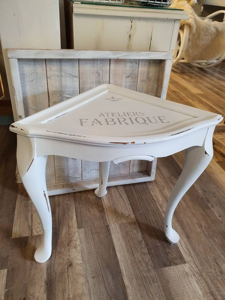 Corner Side Table In Chippendale Style Table Small Shabby Chic Stool In 2020 Shabby Chic Stool Table Style Shabby