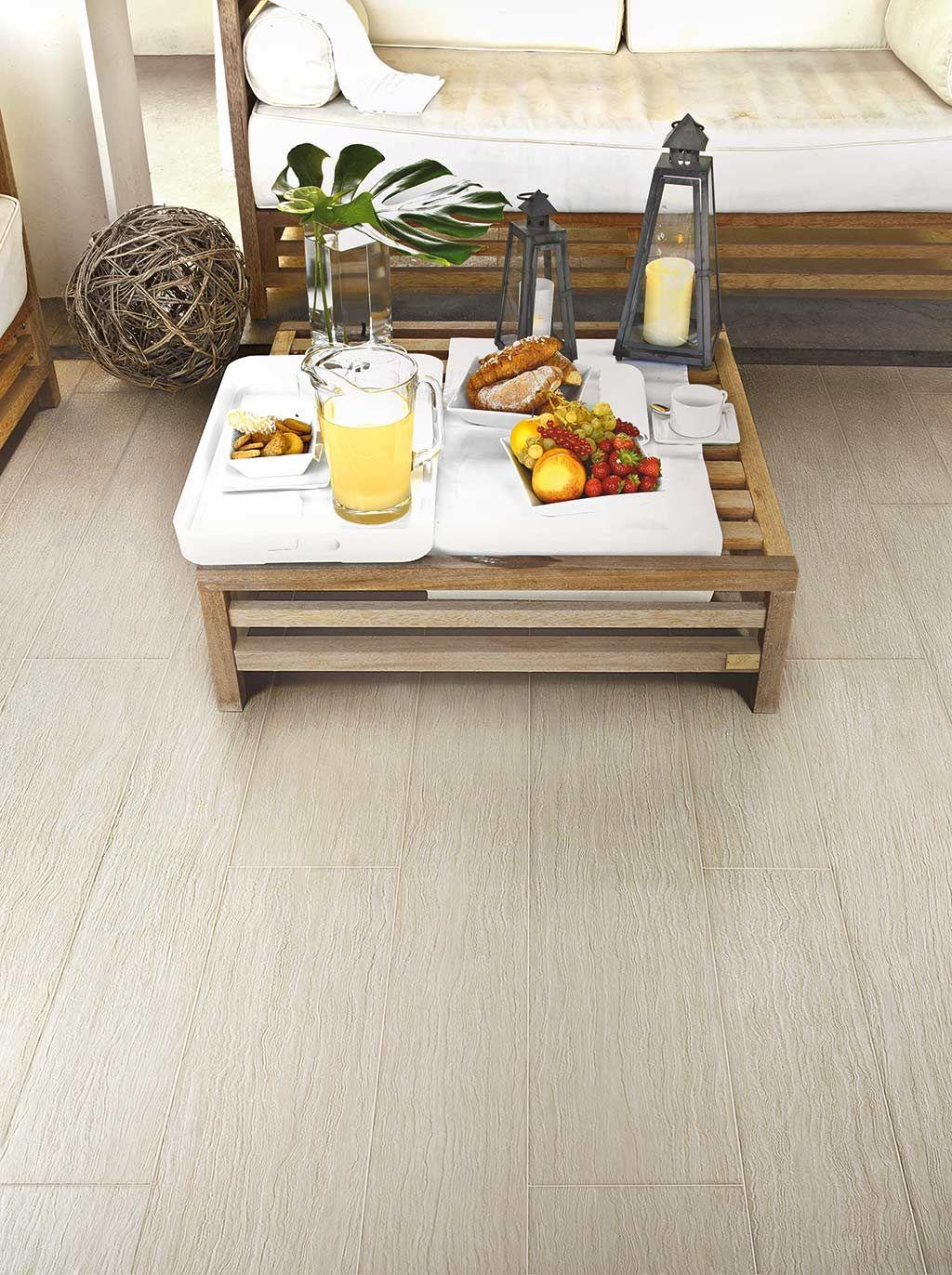 Merk: Floor Gres | Collectie: Geotech | Een collectie die zich laat inspireren door versteend hout uit de Mediterrane bossen. De collectie is beschikbaar in twee kleuren (Geowhite en Geoblack) en 3 oppervlakken. | #Geotech #houtlook #Wood #tiles #italiantiles #designtiles #design