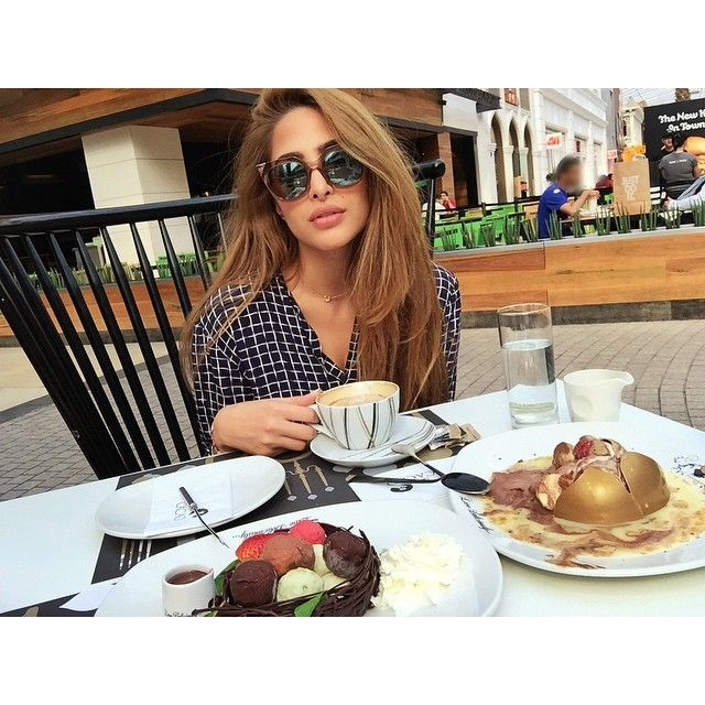 Therealfouz On Instagram شروط المسابقة صوروا اي طبق من لايف وذ كاكاو ونزلوها مع الهاشتاق وسوولهم فولو ويمكن تربحون Lif Arab Beauty Topshop Blouse Hairspo