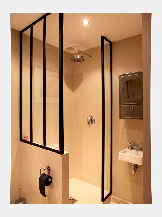 verri re en paroi de douche paint bathroom black. Black Bedroom Furniture Sets. Home Design Ideas