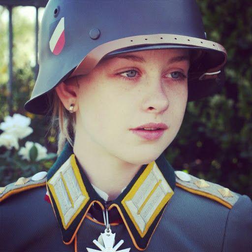 hübsche Militärfrauen