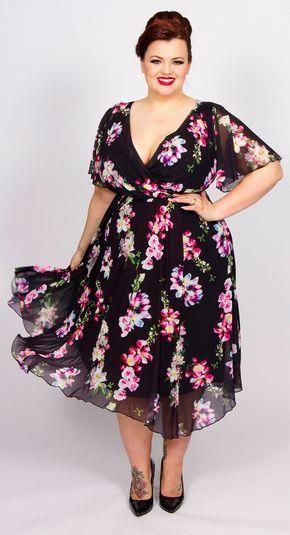 55 Plus Size Wedding Guest Dresses {with Sleeves} - Alexa Webb #weddingguestdress