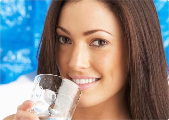 Drink 2 Ltrs of water regularly. It provides you with the necessary energy and helps you feel full throughout the day!