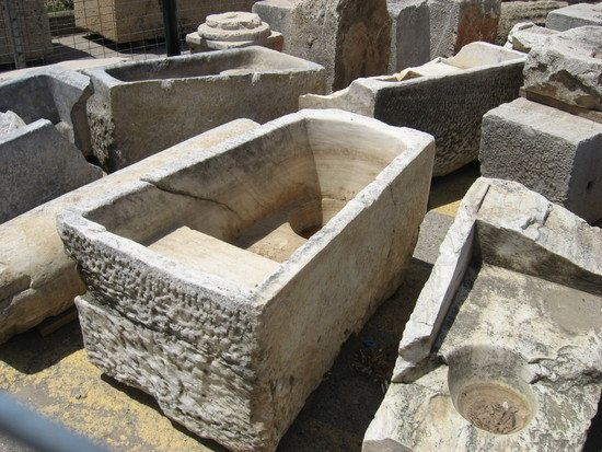 bathtubs date back to about 2,000 b.c.e. on the island of crete