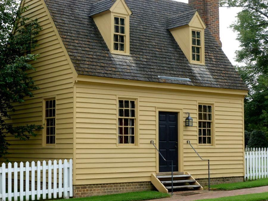 Farmhouse vintage early american farmhouse in historic for Colonial exterior paint colors
