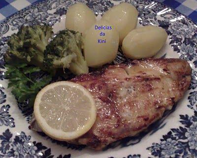 Peixe Grelhado com Molho de Manteiga e Limão