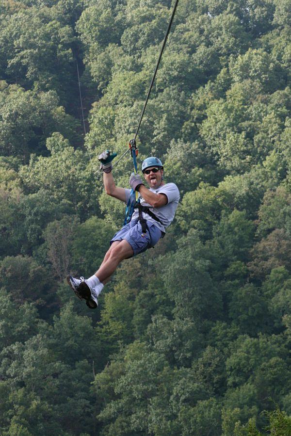 Zip Line Tours In Eureka Springs Ar Ziplining Eureka Springs Family Cruise