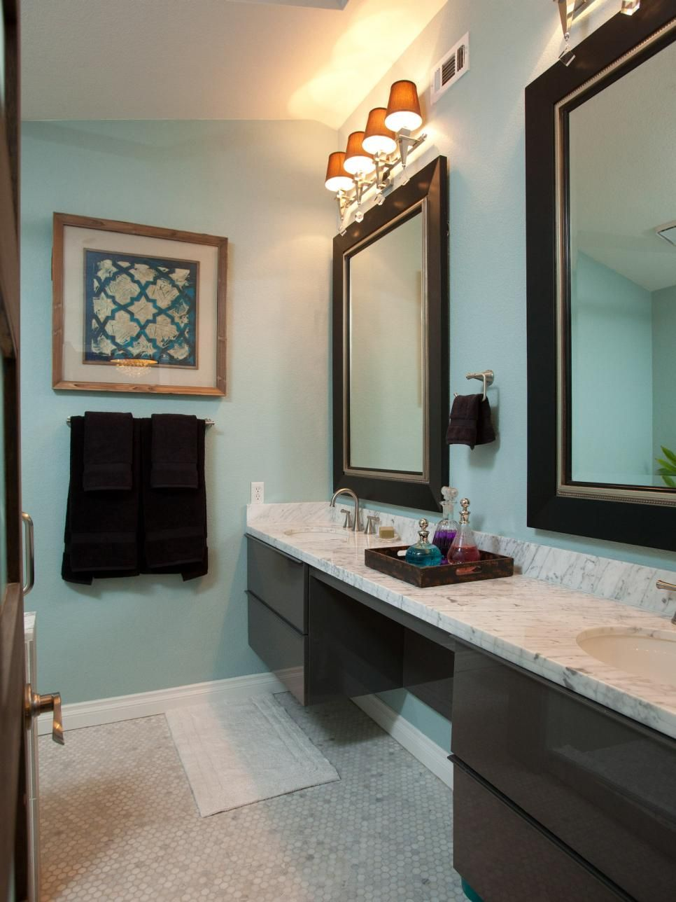 Brother Vs Bedroom And Bathroom Makeovers From Drew Jonathan Scott