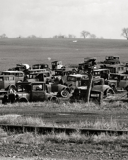 November 1935. Auto dump near Easton, Pennsylvania.