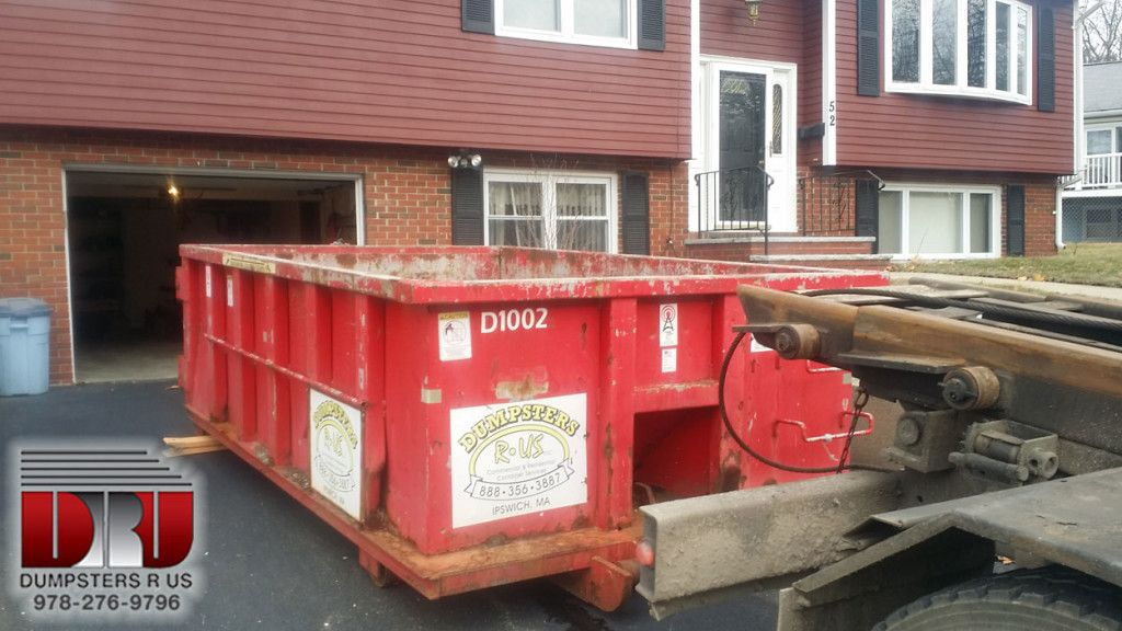 Methuen Homeowner Dumpster Rented A 10 Yard Open Top Dumpster To Clean Out A House Disposing Of Junk And Old Furniture Ma Me Dumpster Rental Dumpster Yard