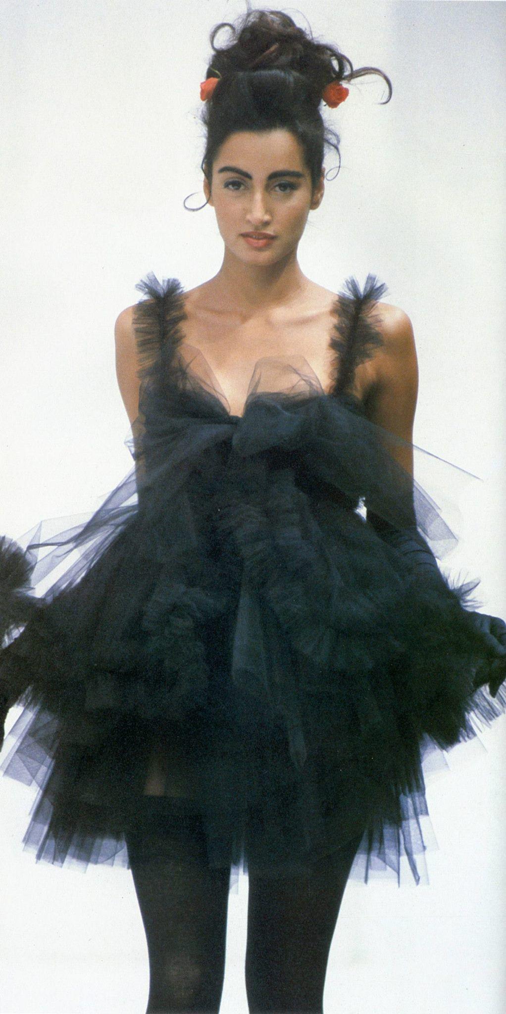 8db16cbd4251 Dolce   Gabbana 1992   Dolce   Gabbana 90s   Fashion, Haute Couture ...