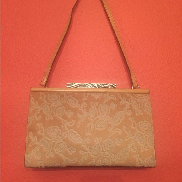 Fur Adrienne Vittadini purse Adrienne Vittadini purse. Real fur material Adrienne Vittadini Bags