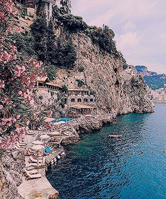 Photo of Why the Amalfi Coast Should be on Your Travel Bucket List
