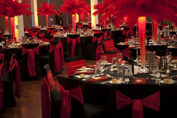 There Are Over 35 Feathers Used In Each Centrepiece For This Effect Casino Royale At
