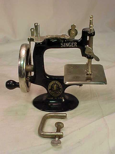 Antique Model No 40 Cast Iron Toy Miniature Working Singer Sewing Fascinating Mini Singer Sewing Machine Antique