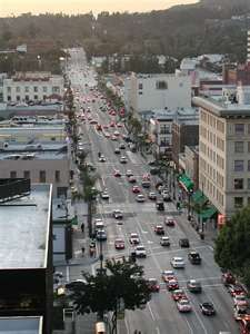 Colorado Blvd Pasadena Ca The Best Place To Find Inspiration People S And Restaurants Are All So Colorful