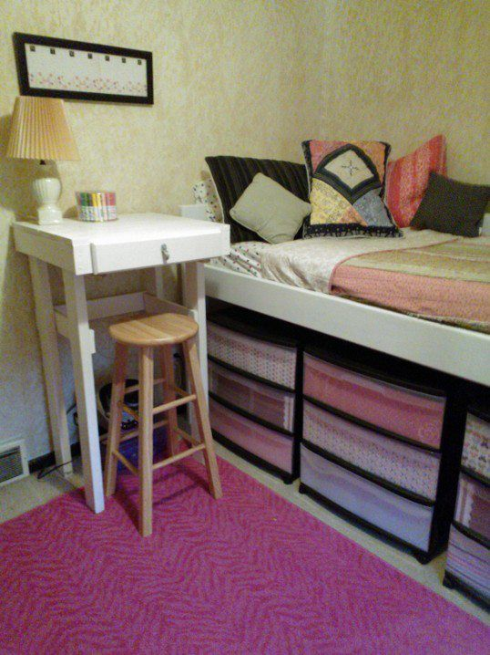 Build A Bed Frame A Little Higher And Use Drawer Totes On Wheels For Storage Plenty Of Space To Save On Clutter How To Make Bed Diy Apartments Home Decor
