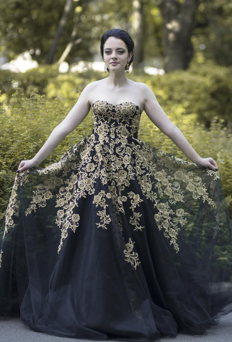 Black Wedding Dress Goth Wedding Dress Alternative Wedding Etsy Black Wedding Dress Gothic Black Wedding Dresses Gothic Wedding Dress [ 1168 x 794 Pixel ]